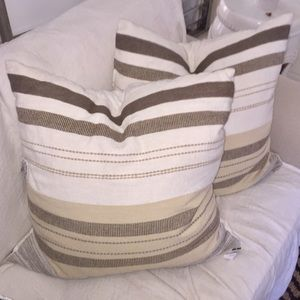 """24"""" x 24"""" Accent pillow Brand new.(1) or (2)"""
